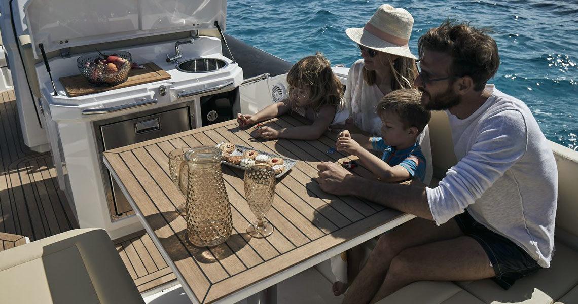 /home/semirij/www/wp-content/uploads/2021/01/jokerboat-clubman-30-3.jpg